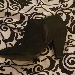 Gianni Bini Black Booties Size 9M